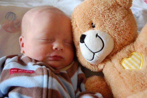 Grundläggande vårdhandbok för nyfödda