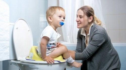 Mitt barn har fortfarande blöja – ska jag vara orolig?