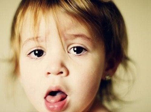 7 tips för att lindra ditt barns hosta