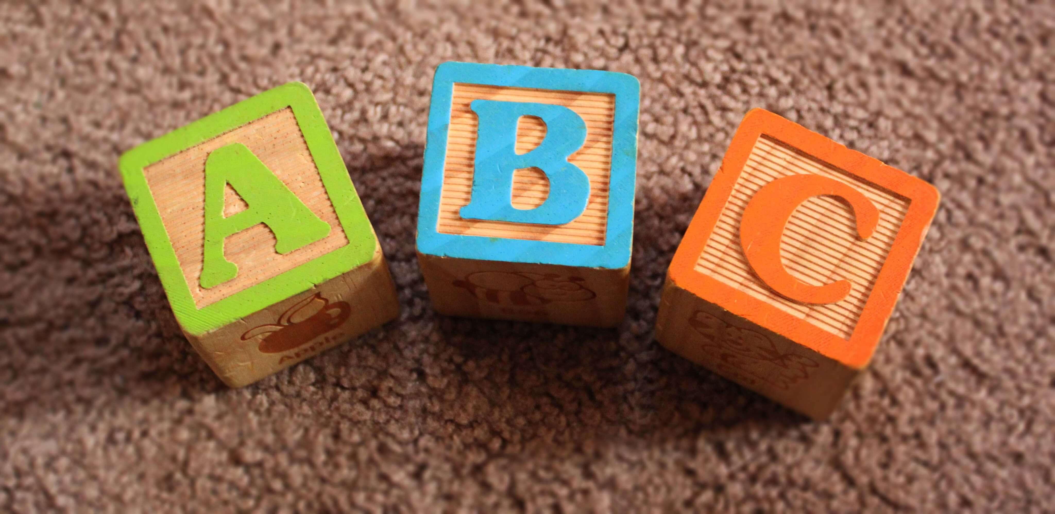 Vad påverkar språkutvecklingen?
