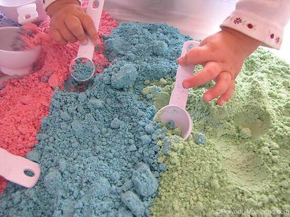 Låt dina barn gräva i magisk sand!