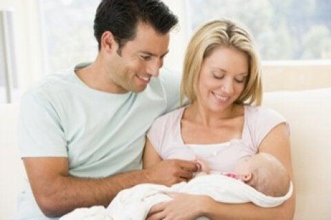 lyckliga föräldrar