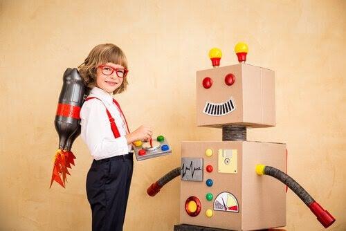 Wits-metoden: barn leker med robot av kartong