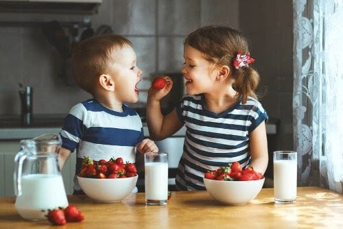 Att separera tvillingar i skolan: för- och nackdelar