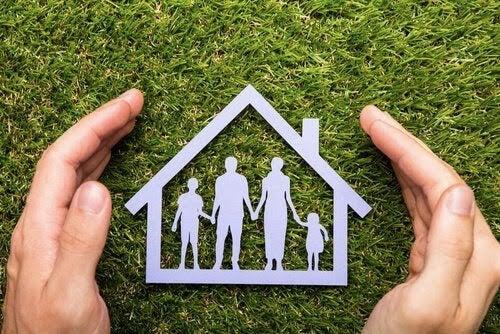 Barnsäkra ditt hem: Allt du behöver veta