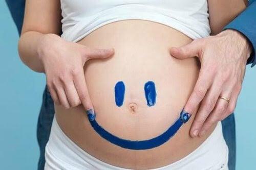 8 tidiga tecken på att förlossningen har startat