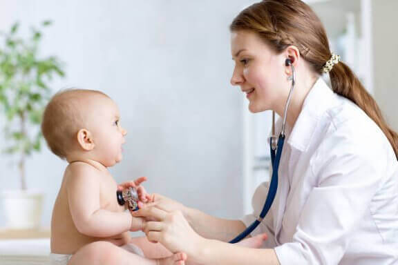 Rotavirus: Vad det är, symptom och behandling