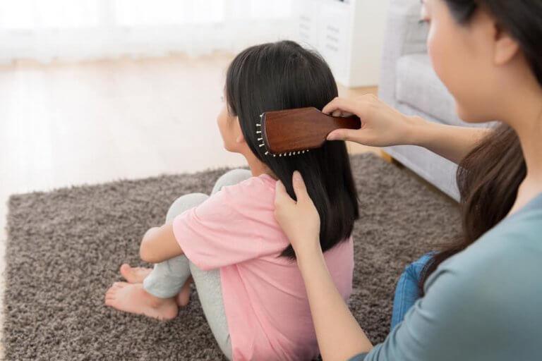 5 enkla frisyrer för flickor
