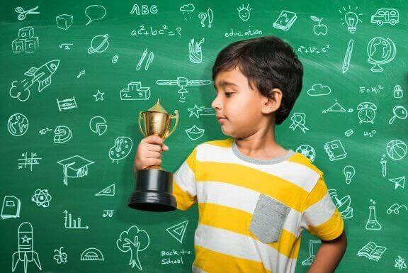 Belöningar och straff för att påverka skolbetyg