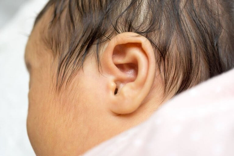 Hur man testar för hörselnedsättning hos nyfödda