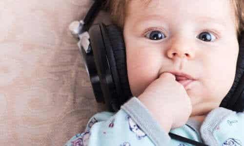 Den bästa musiken för att få din bebis att somna