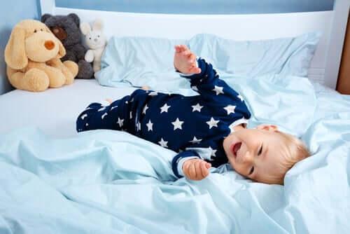 Barn i egen säng