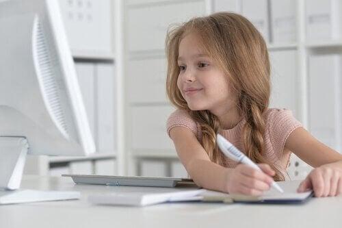 Hur lär du ditt barn att älska läsning?