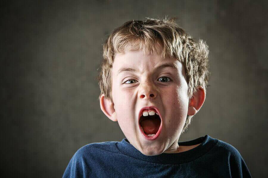 Barn skriker