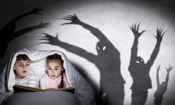 Hur du berättar läskiga spökhistorier för dina barn