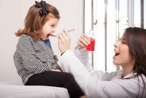 Torrhosta hos barn: Orsaker och behandlingar