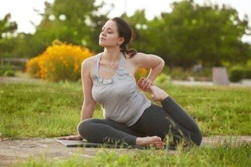 yogapositioner som förbättrar din fertilitet