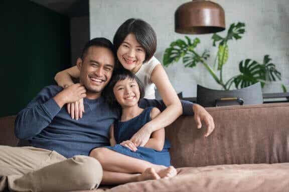 Växa upp som ensambarn: För- och nackdelar
