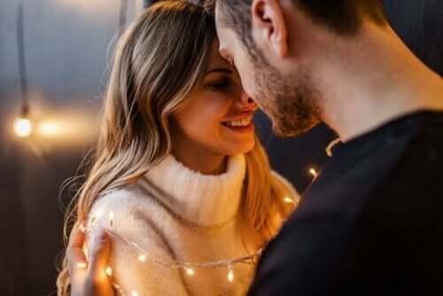 Intimt romantiskt par