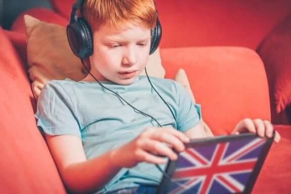 Uppfostra tvåspråkiga barn: OPOL-metoden