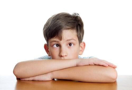 barn med skelning