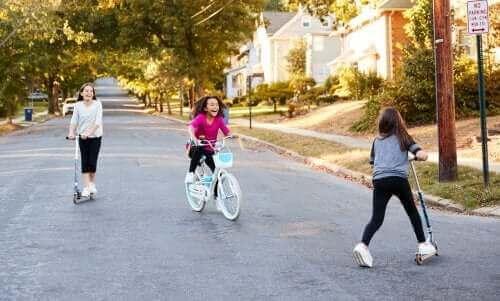 Socialisering under barndomen och tonåren