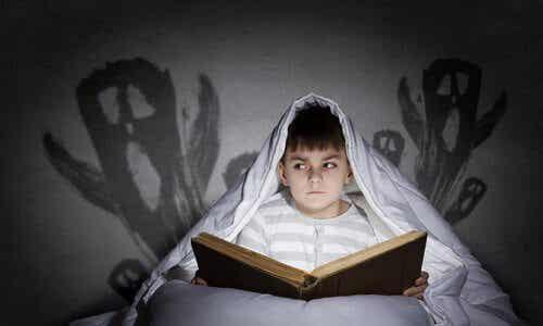 Hur man kommer över rädslor som barn