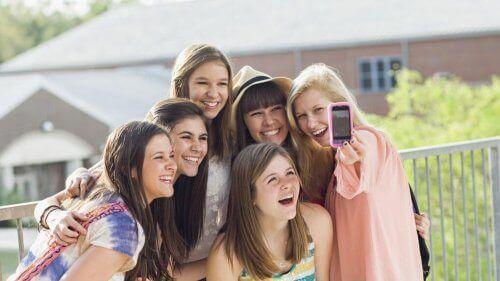 Farorna med sociala nätverk för tonåringar