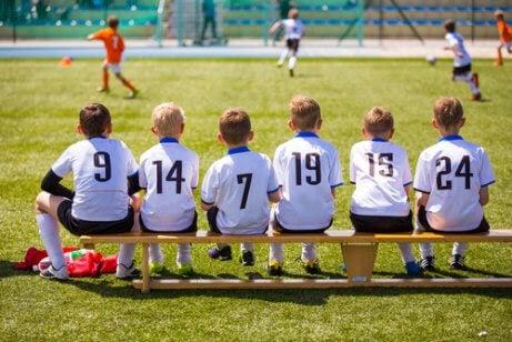 Sport uppmuntrar lagarbete bland barn