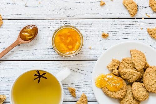desserter för diabetiker: skorpor, te och marmelad