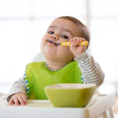 6 typer av haklappar för bebisar