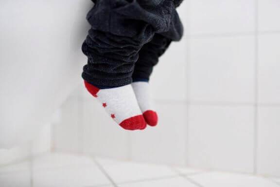 Om ditt barn har långvarig diarré bör du därför gå till din barnläkare så snart som möjligt.