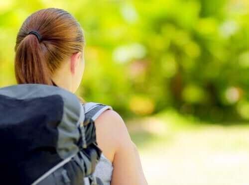 Så här packar du ditt barns ryggsäck till sommarläger
