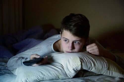 Konsekvenserna av att inte sova bra under tonåren