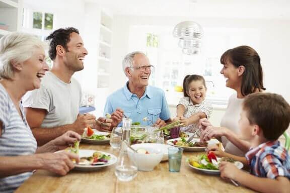 familj med Celiaki äter