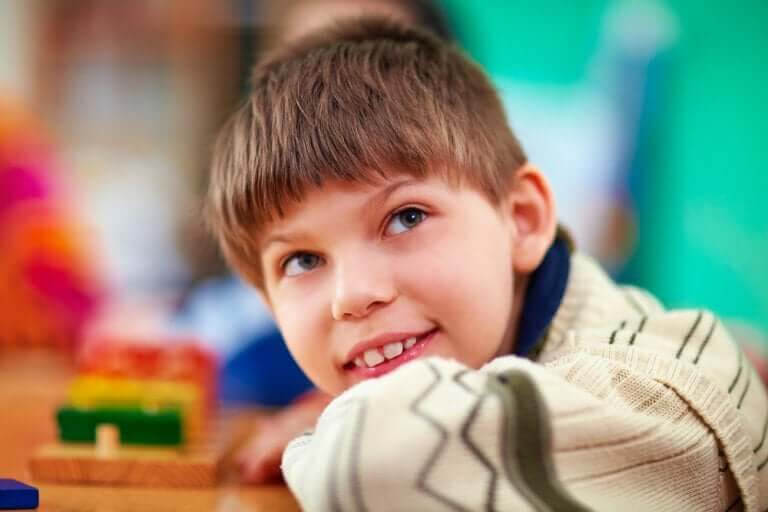 särskilda behov: pojke i skolmiljö