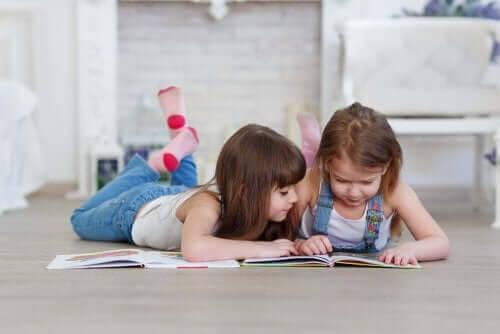 Tips för att hjälpa dina barn att börja läsa