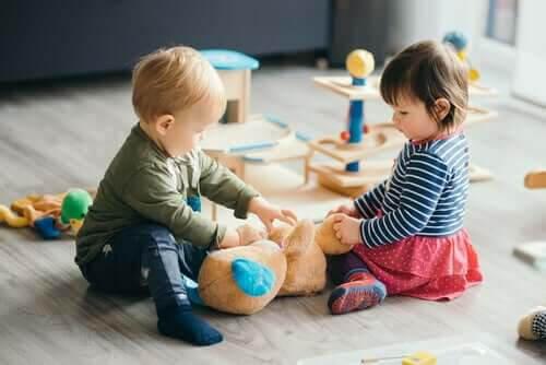 förskolans historia: barn leker på förskola