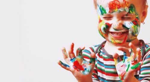 Hur man uppmuntrar konstnärliga talanger hos barn