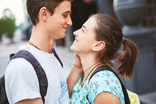 Problemet med kärlek i tonårsrelationer