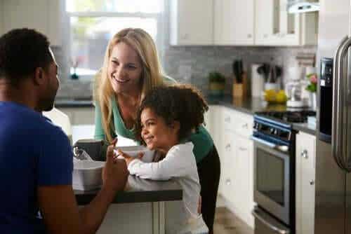 Varför är kommunikation inom familjen så viktigt?