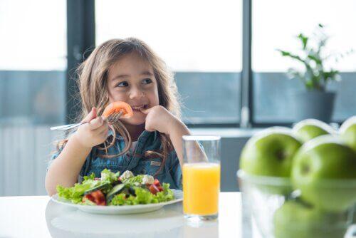 Lär du barnen att äta hälsosam mat?