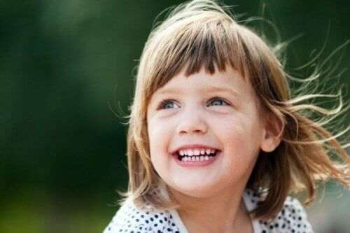 Ett lyckligt barn.