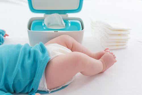 Mekonium hos nyfödda bebisar