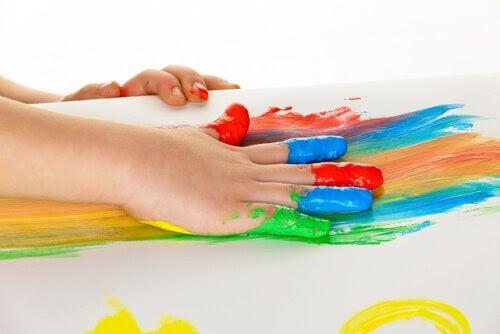 Konstterapi: fingerfärg