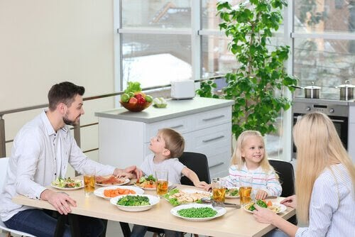 veganska dieter: familj vid matbord