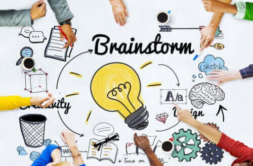 Fördelarna med brainstorming för grupparbeten