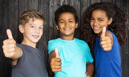 Hur man lär sina barn att respektera olikheter