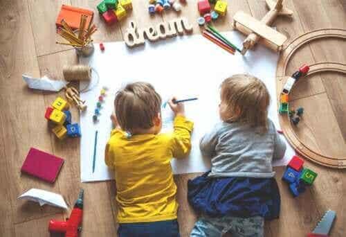 Hur du skapar en bra plats för att hemskola dina barn under karantän