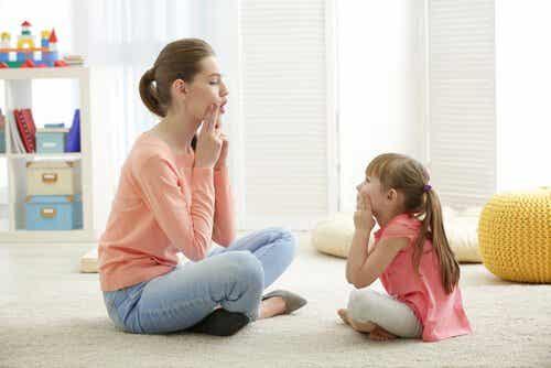 Misstag som föräldrar gör när barn uttalar ord fel